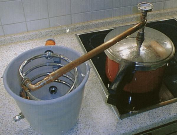Как сделать самогонный аппарат своими руками в домашних условиях