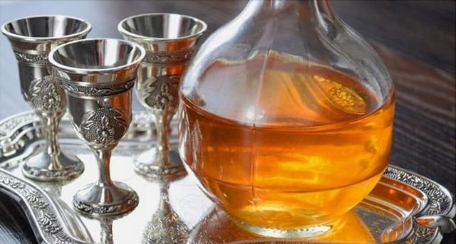 Настойка из айвы на водке (спирту или самогоне) – рецепт