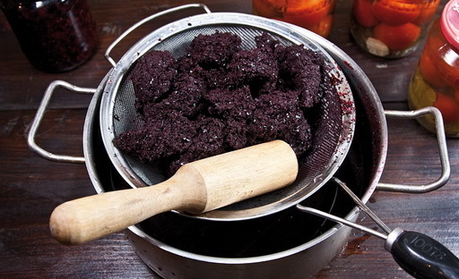 Самогон из рябины (черноплодной и красной) - 2 рецепта браги
