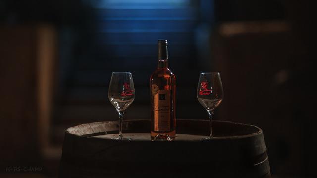 Хранение вина в пластиковой бутылке и стеклянной банке