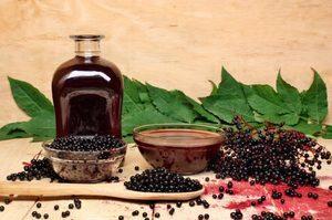 Настойка из черноплодной рябины на водке (спирте, самогоне)