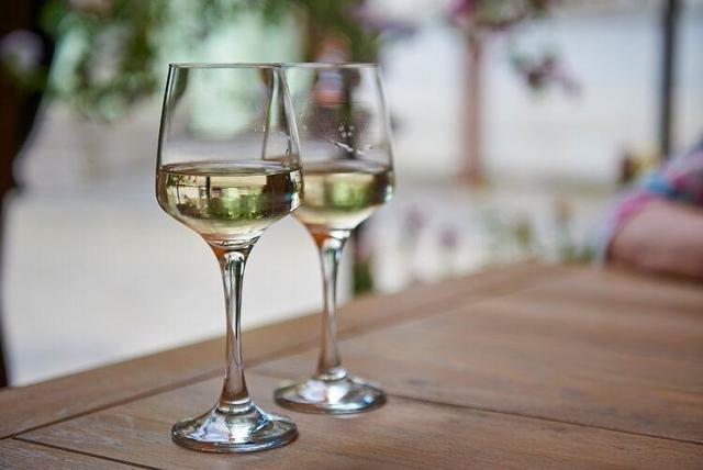 Домашнее вино из акации – рецепт и технология приготовления