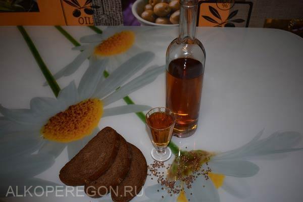 Настойка на солоде (ржаном или ячменном) с чесноком – рецепт