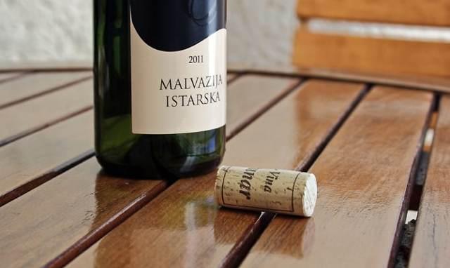 Вино Мальвазия: особенности, виды, культура употребления