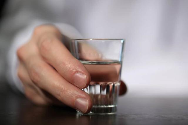 Как очистить самогон от запаха – 6 работающих методов