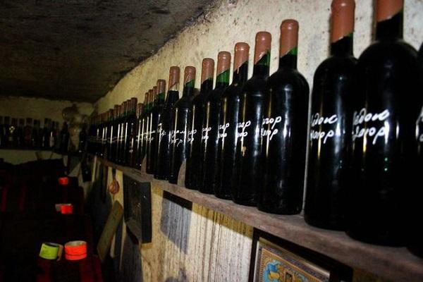 Вино из винограда и сахара в банке