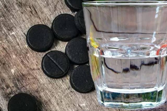 Есть ли смысл очищать самогон активированным углем из аптеки?