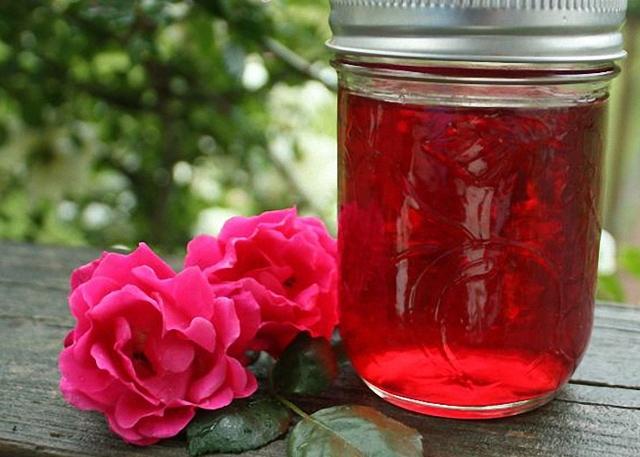 Настойка из чайной розы на водке (спирте) – рецепт из лепестков