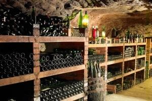 Оптимальная частота снятия вина с осадка на выдержке