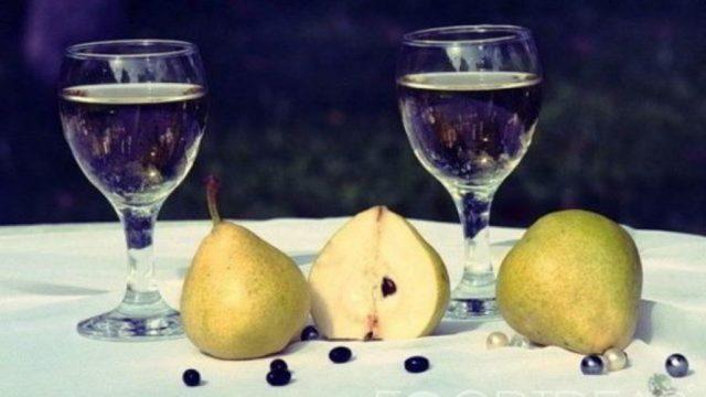 Самогон из груш в домашних условиях - 2 рецепта браги