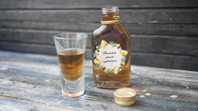 Настойка из одуванчиков на водке (спирте): рецепт и применение
